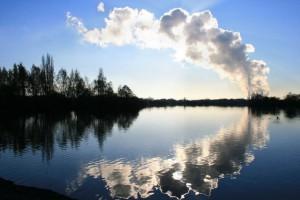 Kakkaa taivaalle. Jossain muodossa ihminen saa sen takaisin. Kuva: David Lally/geograph.org.uk.