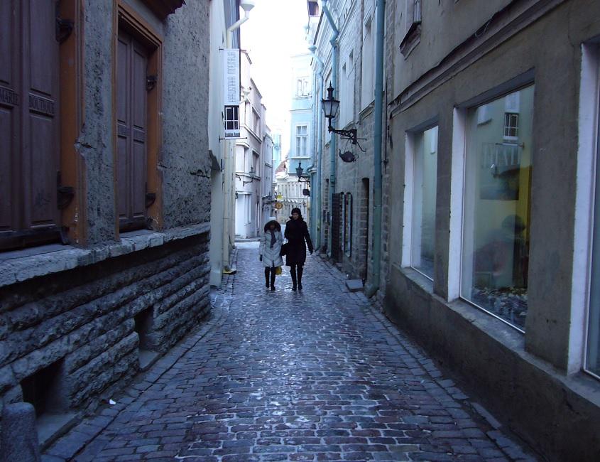 Mukulakivien päällä oli iljannetta Tallinnassa 3.2.2008.
