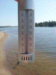 Kuva2: Kesäkuun ensimmäisinä päivinä uimavedet olivat paikoin jopa poikkeuksellisen lämpimiä.