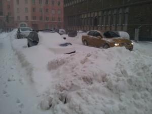 Tuttu näkymä Helsingissä joulukuussa 2009 ja 2010.