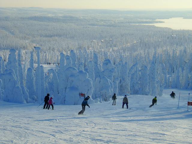 Hiihtolomalla hiihtämään pääsee lähes koko Suomessa (Kuva: Heather Sunderland / Flickr)
