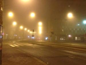 Helsinki maaliskuun sumuisena aamuyönä (Kuva: Joanna Rinne)