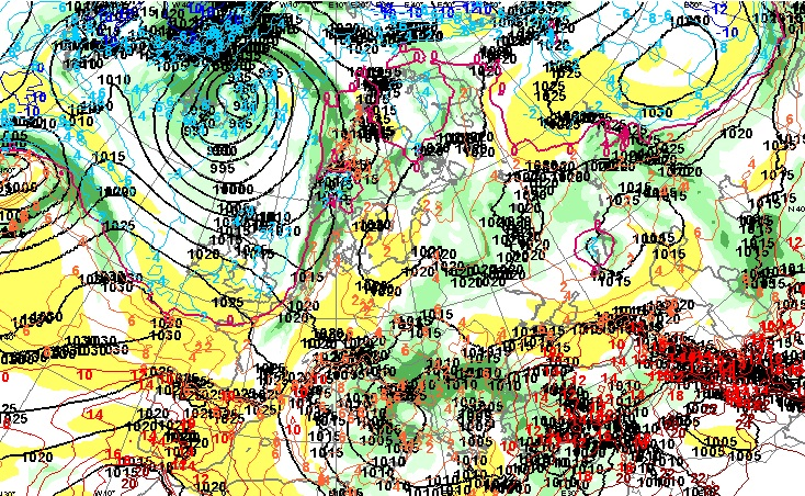 700 hPa -painepinnan kosteus, sade ja 850 hPa -painepinnan korkeus