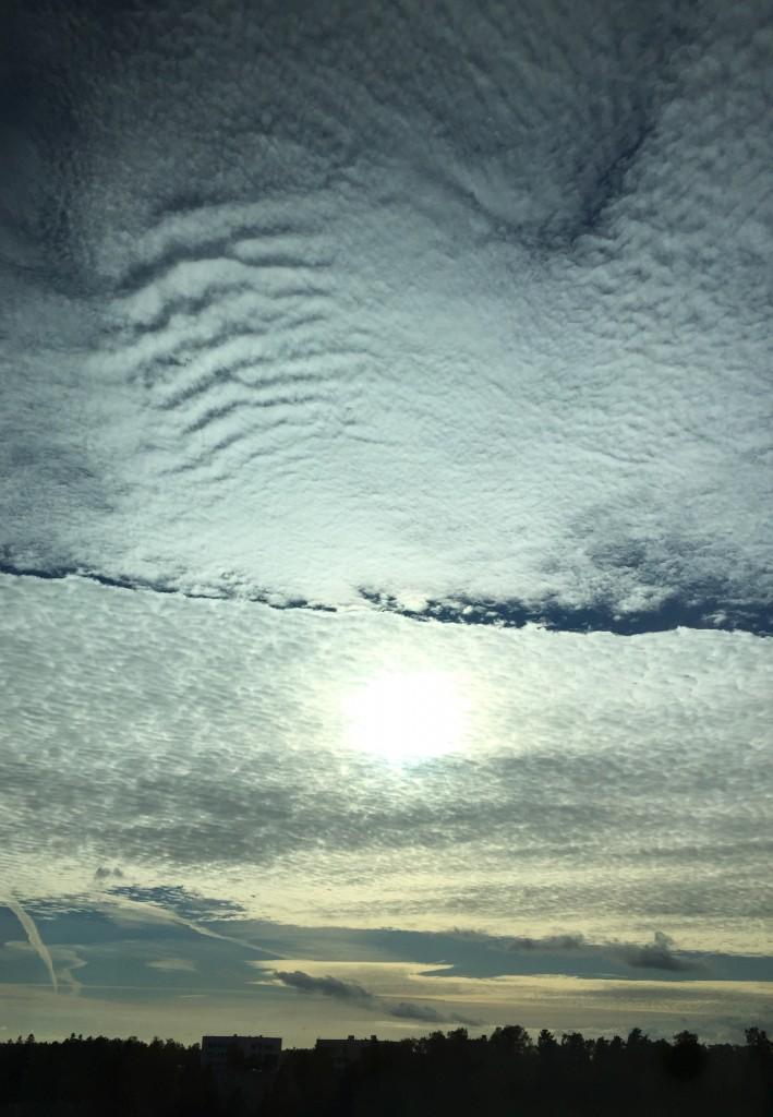 Välillä pilvet innostuvat muodostamaan kuvioita (Kuva: Joanna Rinne)