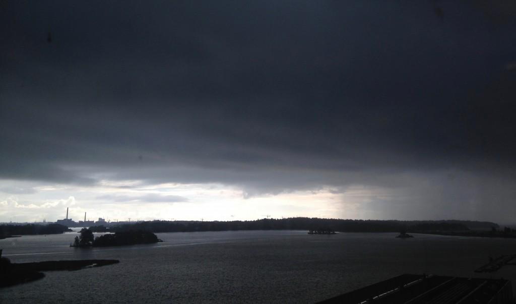 Lähestyykö sadekuuro vai maailmanloppu?. (Kuva: Joanna Rinne)