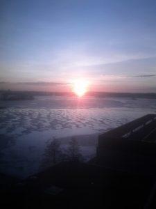 Aurinko heräilemässä hienoon päivään